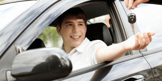 USING A CAR TRACKER TO PROTECT YOUR TEEN DRIVER